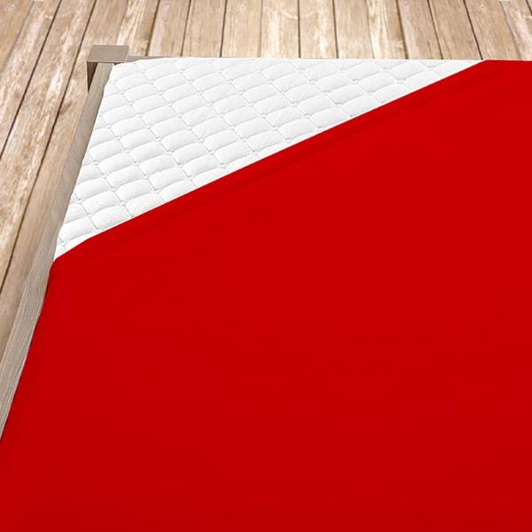 Červené froté prostěradlo
